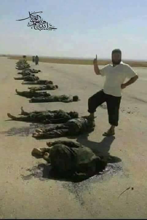 LIBIA  MASSACRO DEI  TERRORISTI CONTRO I PARTIGIANI DI GHEDDAFI 19 05 2017.png